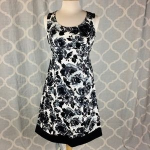 MOTHERHOOD black and white floral sundress (Sz S)